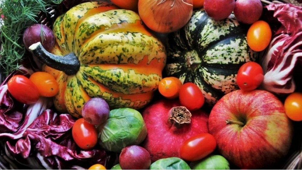 Perché è importante per la salute mangiare frutta e verdura di stagione